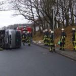 <b>Wenden: Kindergartenbus mit acht Kindern umgestürzt!</b>