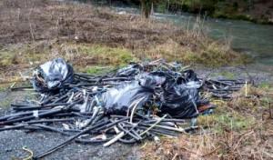 Kabelummantelungen illegal entsorgt: Gemeinde Bestwig erstattet Anzeige