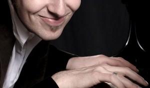 Pianormales Kabarett mit Daniel Helfrich