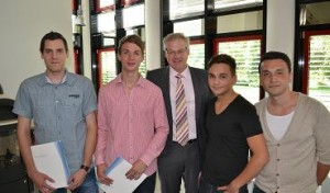 Absolventen starten bei Olsberg ins Berufsleben