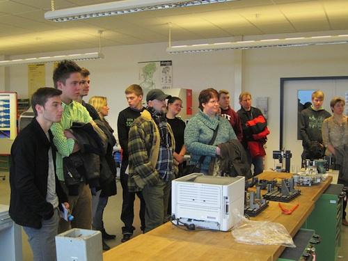 Foto: Auch das Werkstoffkunde-Labor präsentierte sich beim Schnupperstudientag