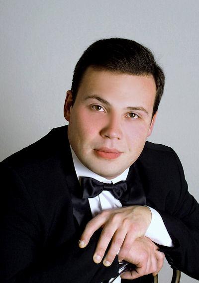 Der ukrainische Pianist Mikhail Dantschenko wird  am 21. April die Gäste in Altena verzaubern.