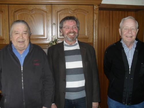 Der neue Vorsitzende mit den Jubilaren, (v.l.n.r. Rudolf Köster, Peter Mußler, Friedel Wüllner)