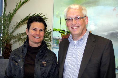 Foto: Christina Staudinger und Werner Heikenfeld, Schulpflegschaftsvorsitzende der Realschule Bestwig.