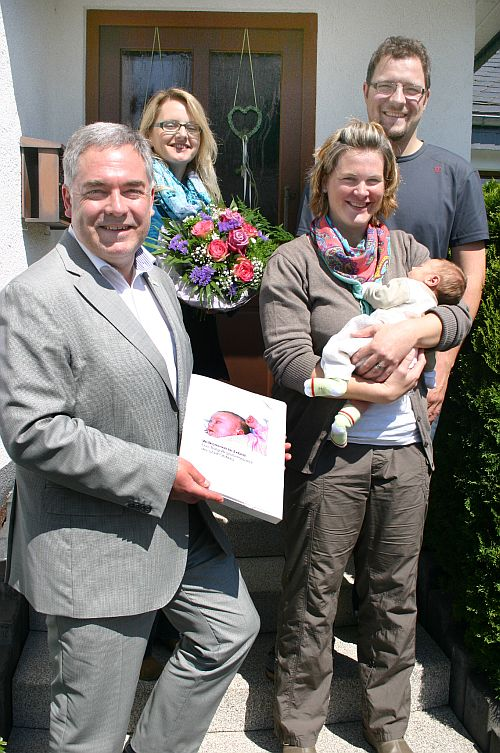 Photo of Starthilfe für Merlin Richard und seine Eltern