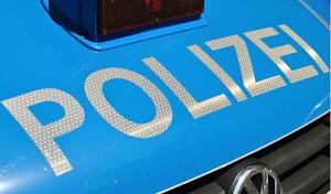 Autoscheiben eingeschlagen und Navigationsgeräte gestohlen