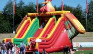 """120 Kilo Gummibärchen:KNAX-Party macht Kids """"tierischen"""" Spaß"""