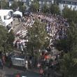 Webcam mit Blick auf den Marktplatz Olpe. Zahlreiche Besucher warten schon auf die Bundeskanzlerin Angela Merkel.