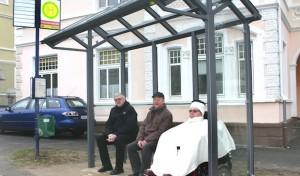 Neue Buswartehallen mit Platz für Rollstuhl oder Kinderwagen