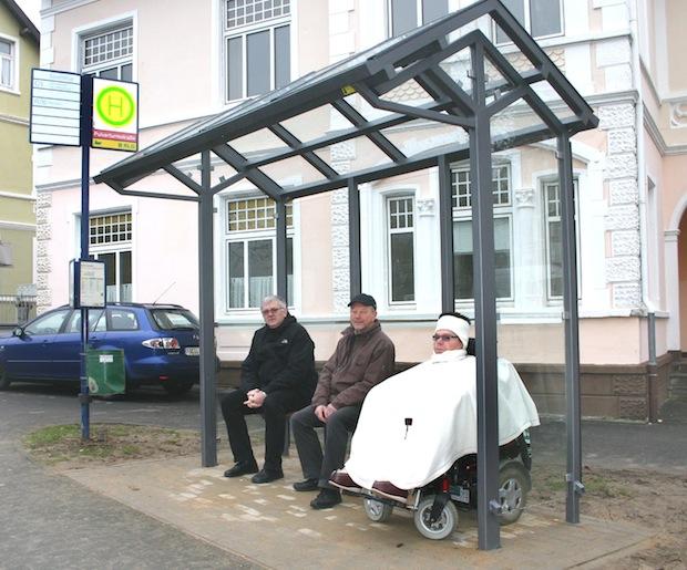 Photo of Neue Buswartehallen mit Platz für Rollstuhl oder Kinderwagen