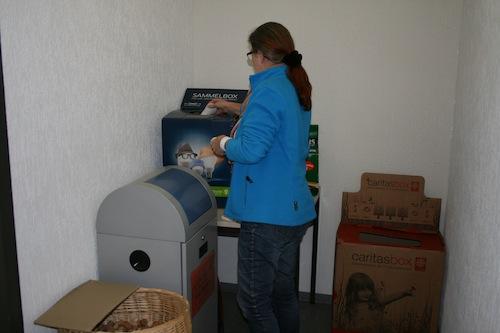 Korken, Batterien oder Tonerpatronen – im Neunkirchener Rathaus gibt es dafür eine neue Entsorgungsecke im Flur vor dem Sitzungszimmer 103 (Foto: Gemeinde Neunkirchen).