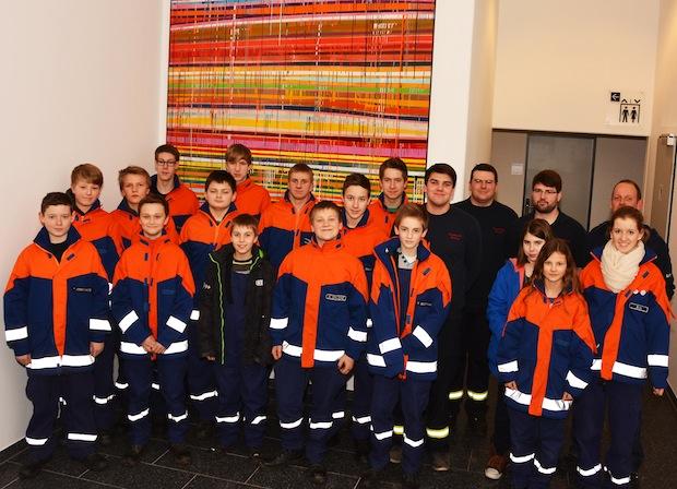 Die Jugendfeuerwehr Erwitte zeigte sich besonders von der Atemschutzübungsstrecke im Rettungszentrum begeistert (Foto: Jürgen Bornemann/Kreis Soest).