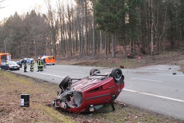 Photo of Frau bei Verkehrsunfall schwer verletzt