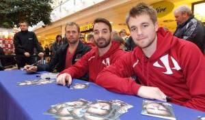 Iserlohn Roosters: Autogrammstunde für Eishockeycracks