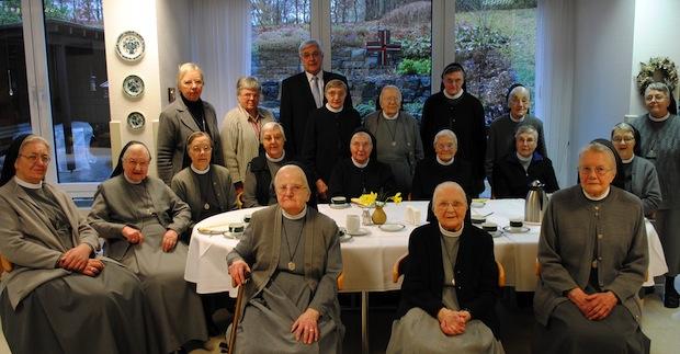 Photo of Bürgermeister Hess verabschiedet Clemensschwestern