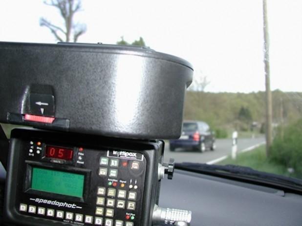 Mobile Geschwindigkeitsmessung im Einsatz (Foto: Pressestelle Hochsauerlandkreis).