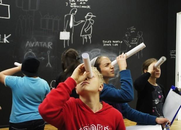 """Das Projekt """"Pinselklang"""", eine Kooperation der Bertha-von-Suttner-Gesamtschule Siegen und des Museums für Gegenwartskunst Siegen, war Teilnehmer des Mixed Up Wettbewerbs 2012 (Foto: Julia Schumann/ BKJ e.V.)."""