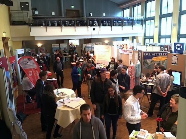 Mehr als 50 Ausbildungsbetriebe zeigen ihre Ausbildungsmöglichkeiten - Foto: Sven Oliver Rüsche