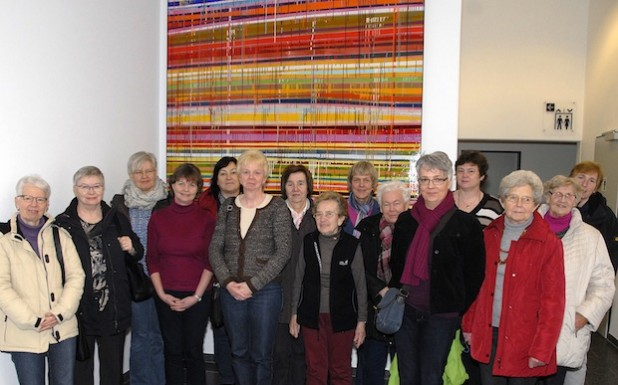 Eine 15-köpfige Gruppe der Evangelischen Frauen Erwitte machte sich jetzt ein Bild vom Rettungszentrum (Foto: Franca Großevollmer/Kreis Soest).