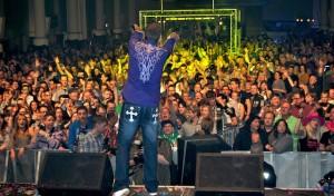 MK-Total-Wochenende: 3.000 Musikfans enterten die Schützenhalle