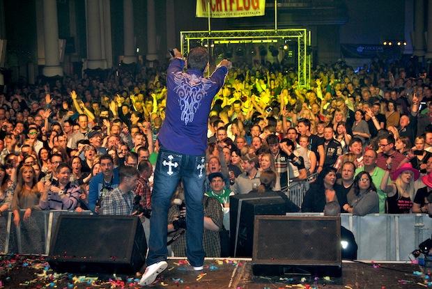Photo of MK-Total-Wochenende: 3.000 Musikfans enterten die Schützenhalle