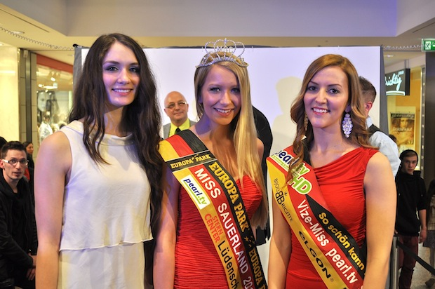 Photo of Miss Sauerland-Wahl im Stern-Center: Janine Meurer gewinnt