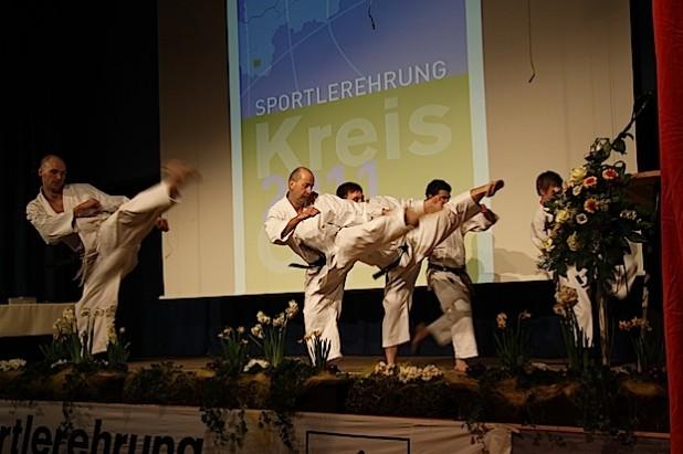Der Showact bei einer früheren Sportlerehrung (Foto: Kreis Olpe).