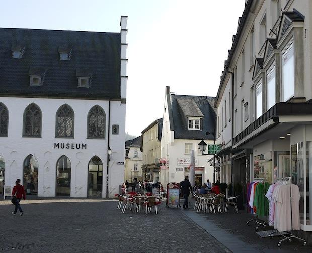 Photo of Innenstadt Attendorn: Einbau der Einstreudecke vorerst unterbrochen
