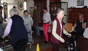 Rollatortraining im Seniorenhaus St. Liborius