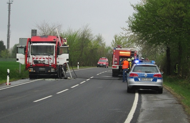 Photo of Möhnesee-Körbecke: Mülltransporter in Flammen
