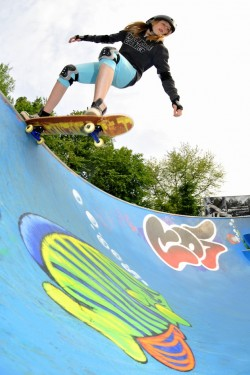 Nicht nur bei Jungs begehrt: Die Skateboardschule 360° bietet neue Kurse ab Mai an (Foto: Daniel Halfmann).