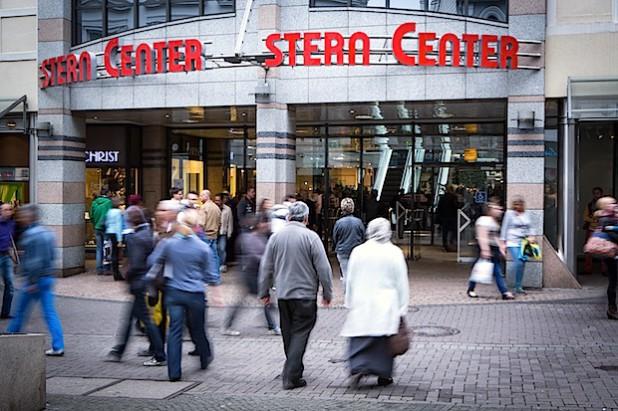Der verkaufsoffene Sonntag lockt viele Besucher in die Bergstadt - Foto: Stern-Center-Lüdenscheid