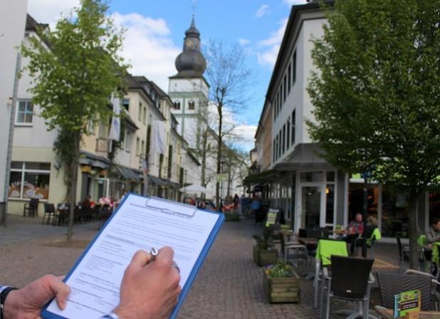 In den kommenden Tagen wird ein Fragebogen an alle Händler in der Innenstadt versendet (Foto: Hansestadt Attendorn).
