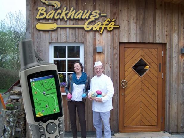 Regine Rottwinkel von Drolshagen Marketing und Winfried Christ vom Backhaus Café (Foto: Drolshagen Marketing e.V.).