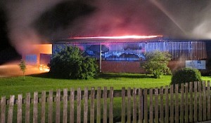 Ense-Sieveringen: Scheune durch Brand zerstört
