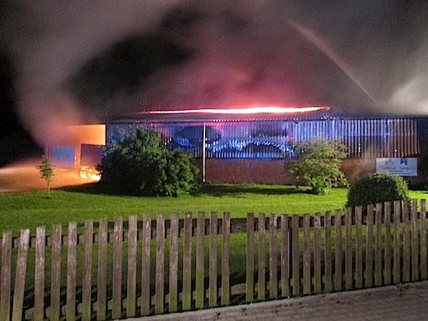 Photo of Ense-Sieveringen: Scheune durch Brand zerstört