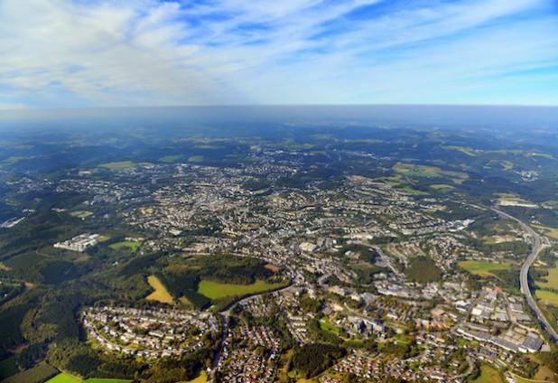 Lüdenscheid von oben (Foto: Gerhard Launer).