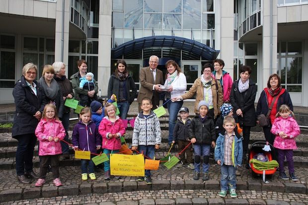 Photo of KiBiz: Erzieherinnen und Kinder protestieren für Qualität