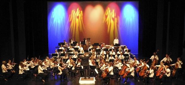 """Photo of """"Auf dem Weg nach Ungarn"""": Großes Orchesterkonzert im Parktheater"""