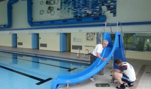 Freibadsaison wird eröffnet – Neue Rutsche im Hallenbad installiert