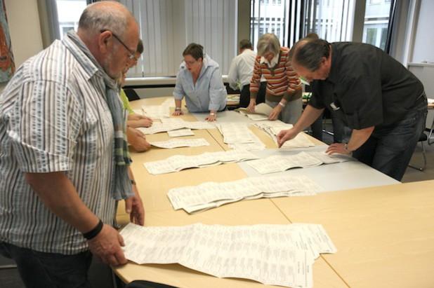 Stimmenauszählung der EU-Wahl im Lüdenscheider Kreishaus (Foto: Erkens/Märkischer Kreis).