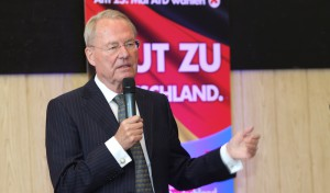 AfD Europawahlkampfauftakt in Olpe: Hans-Olaf Henkel rechnet mit Altparteien ab