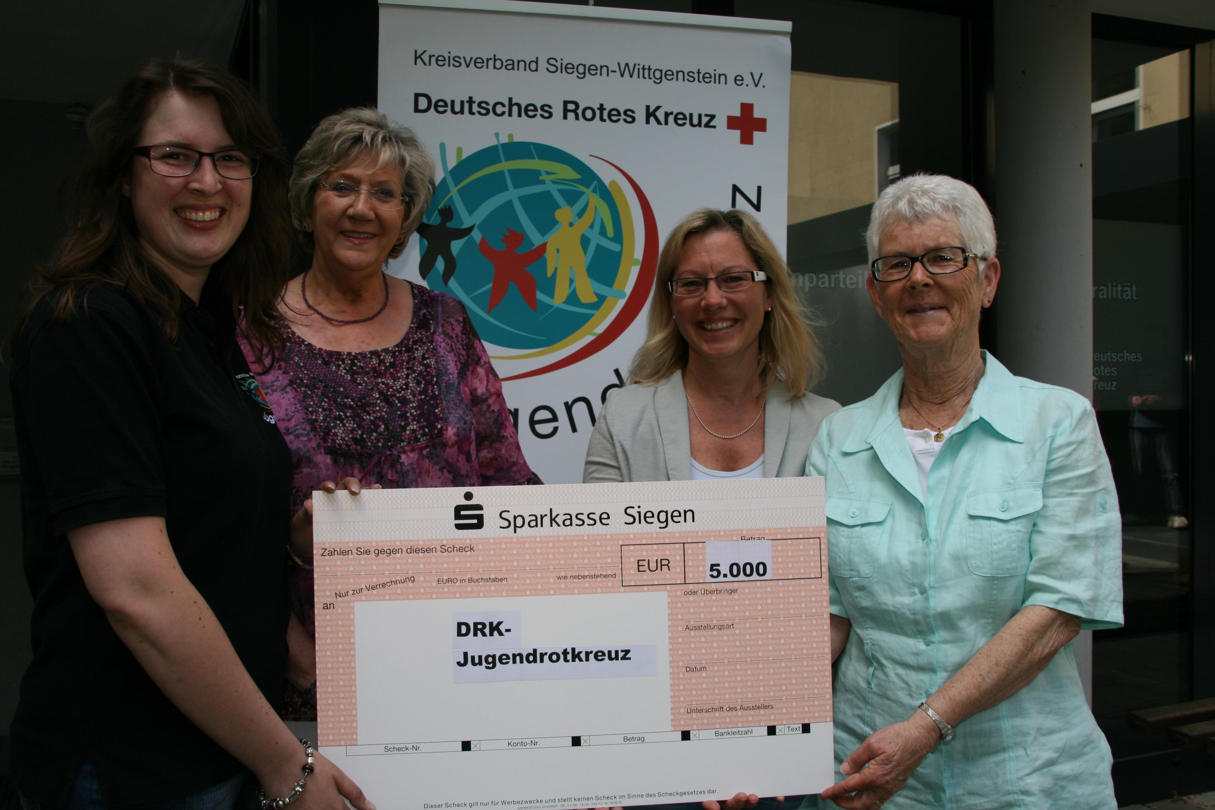 Photo of 5.000 Euro für Jugendrotkreuz Siegen-Wittgenstein