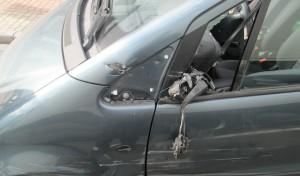 Unfallflucht mit hohem Schaden: Zeugen gesucht