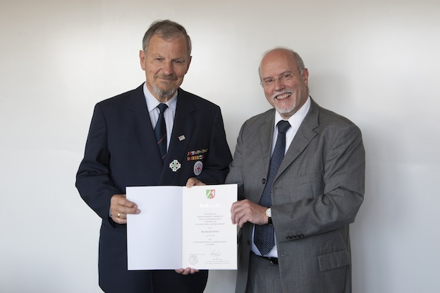 Photo of Katastrophenschutz-Ehrenzeichen