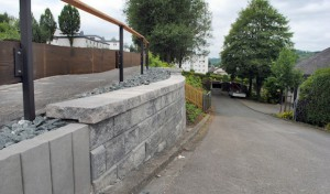 Friedhof Velmede: Neue Mauer ersetzt Holzpalisaden