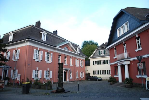 So präsentiert sich der Familienbetrieb in der Meinerzhagener Innenstadt.