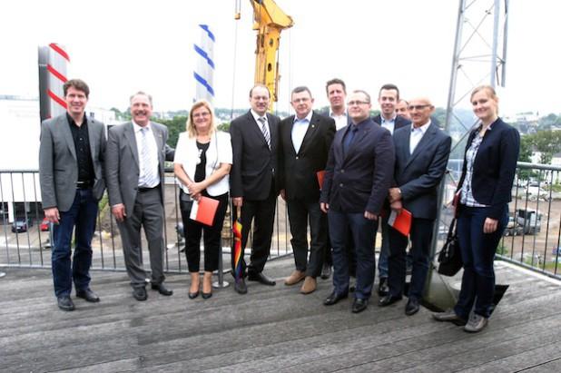 """Die Delegation aus dem polnischen Partnerkreis Ratibor zeigte sich beeindruckt von der Baustelle """"Denkfabrik"""" (Foto: Erkens/Märkischer Kreis)."""