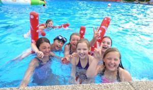 """""""School's Out Party"""": 400 Schülerinnen und Schüler feierten"""