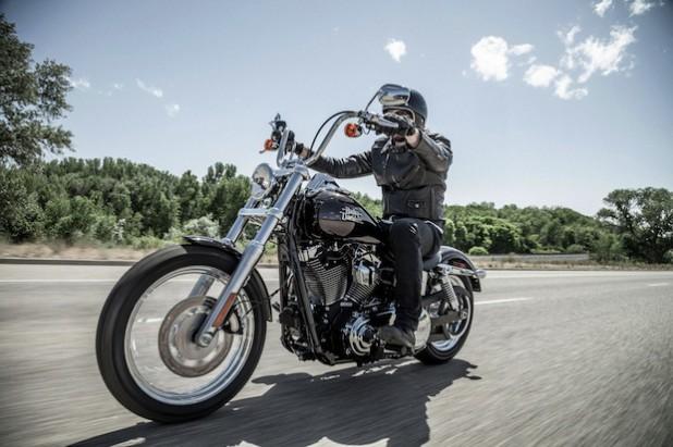 Basisfahrzeug der Aktion 2014/15: Harley-Davidson Street Bob. Dieses Modell wird von Thunderbike in ein Unikat verwandelt, das verlost wird (Quelle: DRK-Kinderklinik Siegen gGmbH).